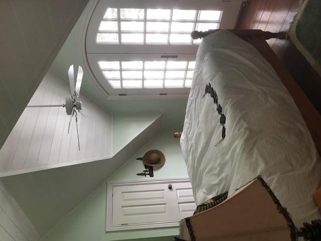 muskoka cottage bedroom