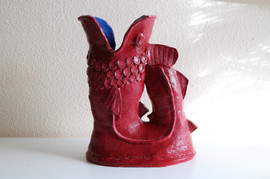 Gluggle jug sculpture