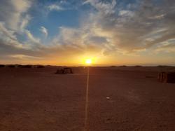 Coucher de soleil erg Lihoudi Maroc.jpg