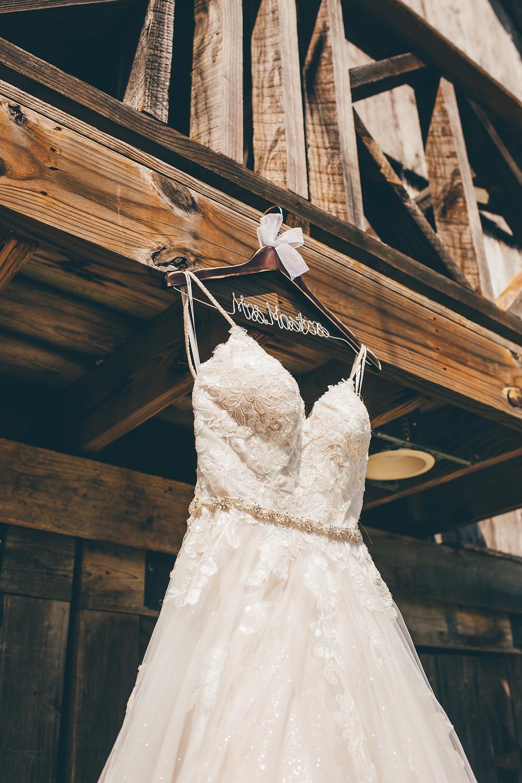 Chattanooga, TN Wedding   The Gray Dove Wedding Venue   Caitlin D. Photography