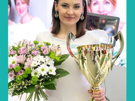 Zwyciężczyni Elitarnych Mistrzostw w Makijażu Permanentnym Long-Time-Liner 2019