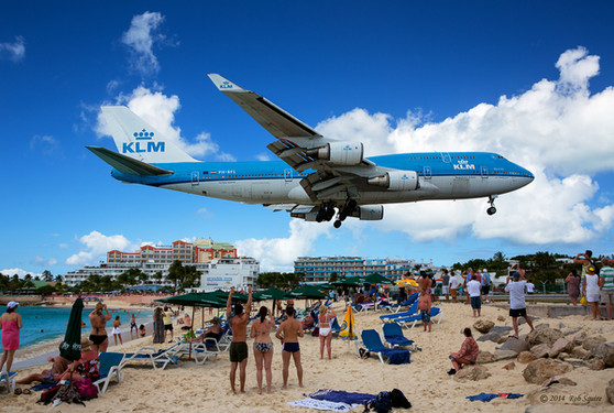 747 Landing At St Maarten