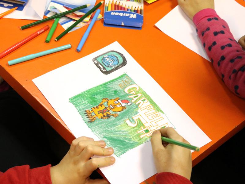 Crtanje Karbon drvenim bojicama i flomasterima.