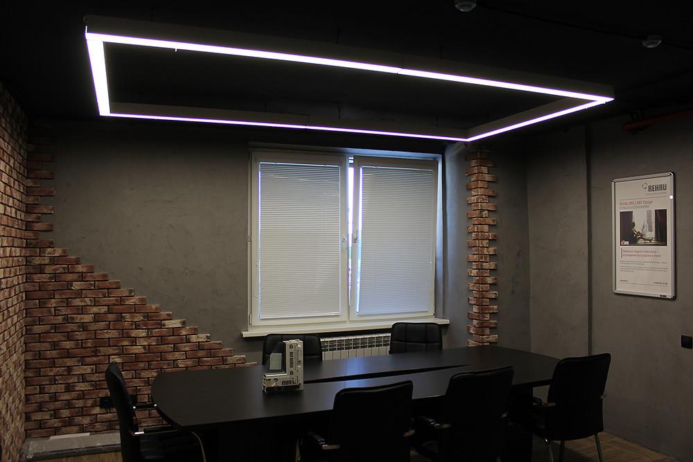 Освещение офиса модульными светильниками