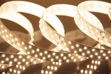 Светодиодная лента SMD 2835 IP33 252 LED 24 V холодный белый 6000К