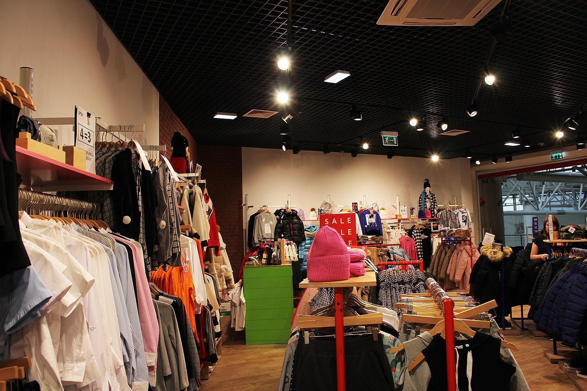 Освещение торгового зала магазина