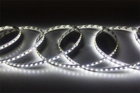 Светодиодная лента SMD 2835 IP33 120 LED 12 V холодный белый 6000К