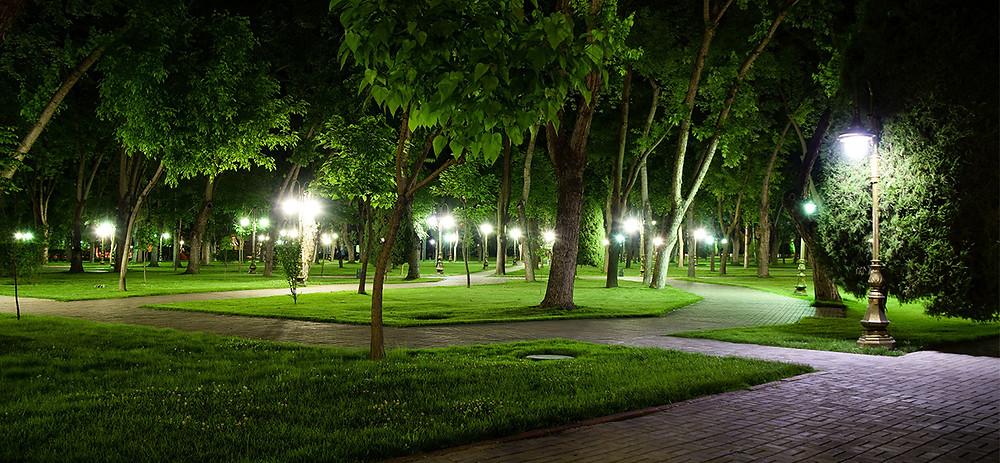 Уличное освещение парков