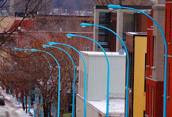 Réverbère Bleus. Sandra Tannous, art visuel, sculpture, installation, art public