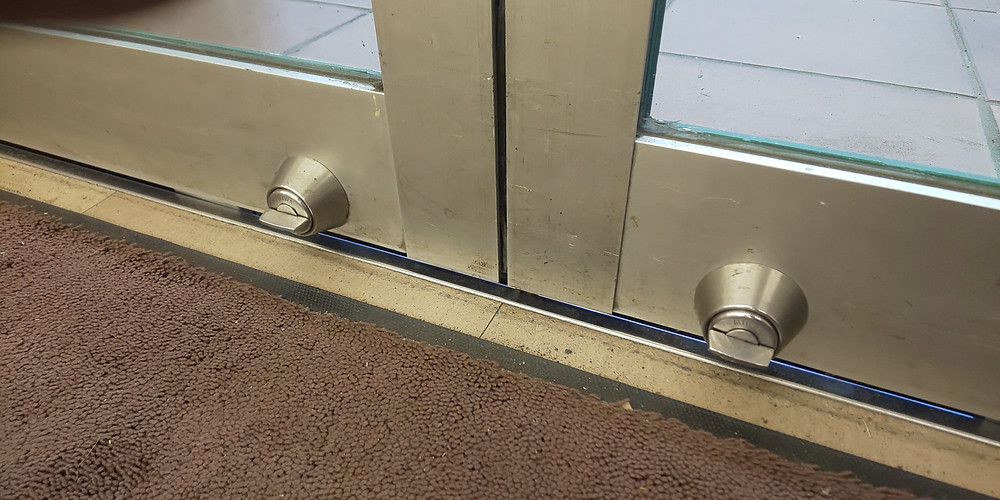 自動ドアの鍵