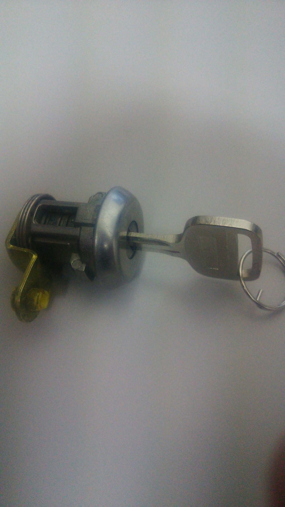 トヨタ エスティマの鍵
