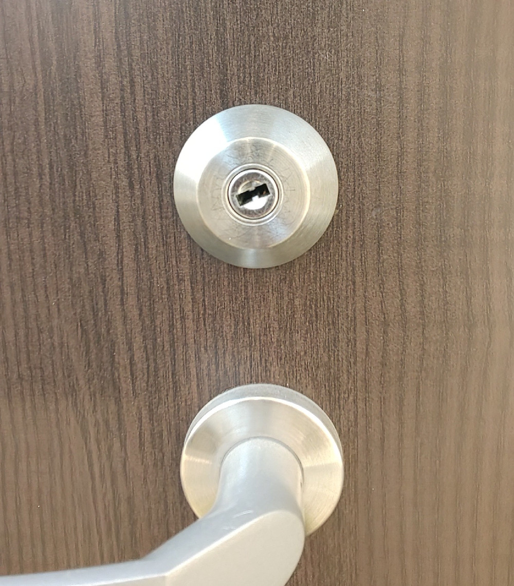 鍵穴が回りかけの状態