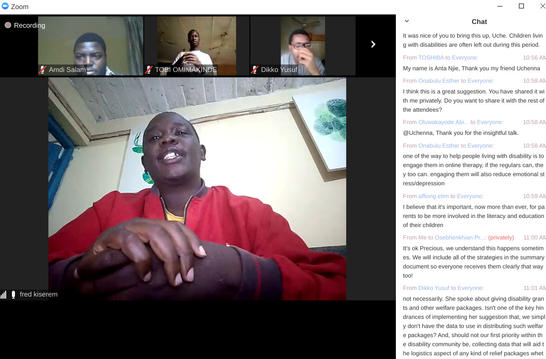 Image of man sharing with other small images of people listening and writing in the chat