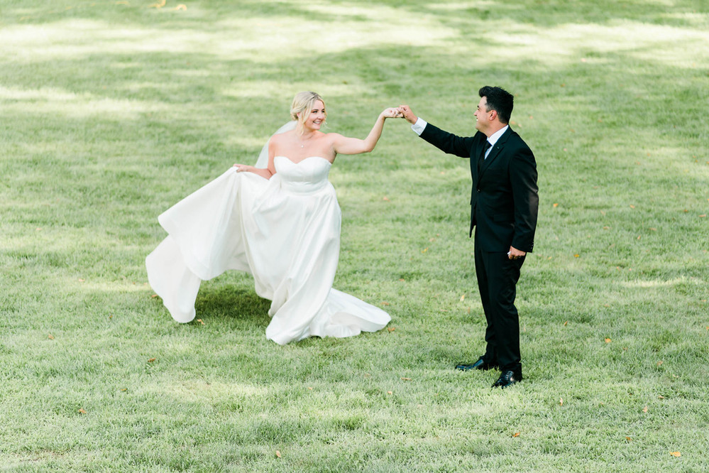 Barrie Wedding Photographer Hamilton Wedding and Engagement Photographer