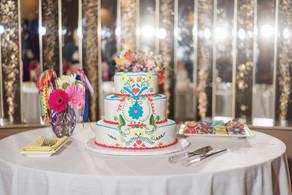 Wedding Cake Couple St Catharine's Wedding