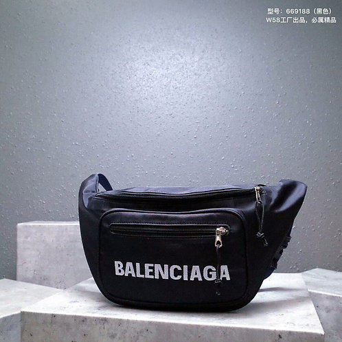 [Balenciaga ]#발렌시아가 19ss 3D 로고자수 익스플로러 힙색 C07106640