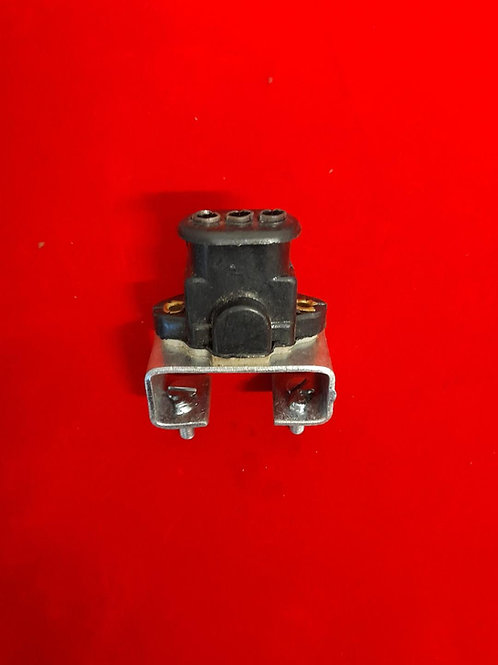 Stoplight switch