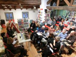 Il pubblico alla Libreria Ubik