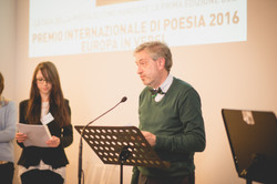 Andrea Tavernati introduce i poeti