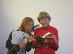 La poetessa Biancamaria Frabotta e Laura Garavaglia