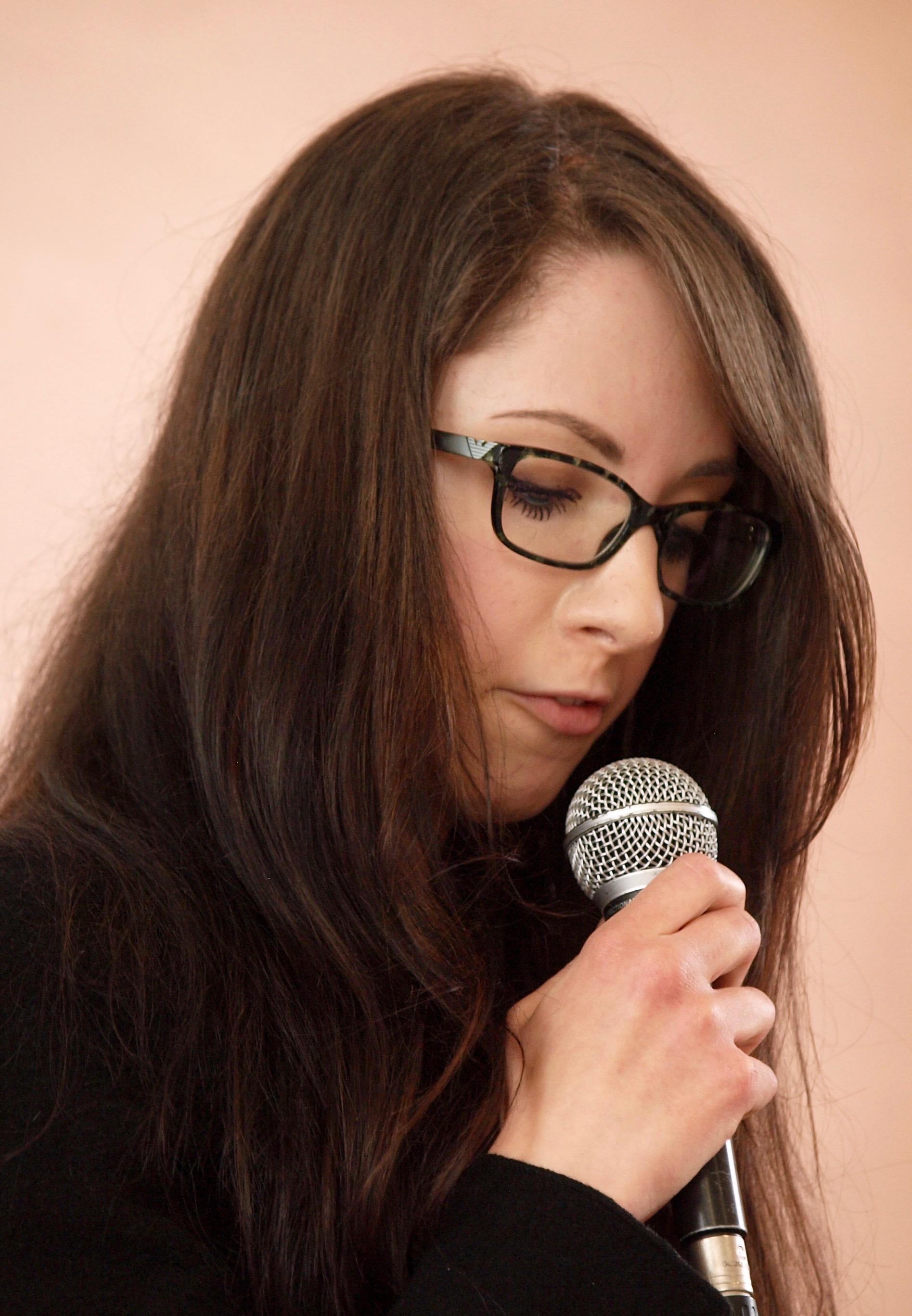 Silvia Brumana legge i poeti