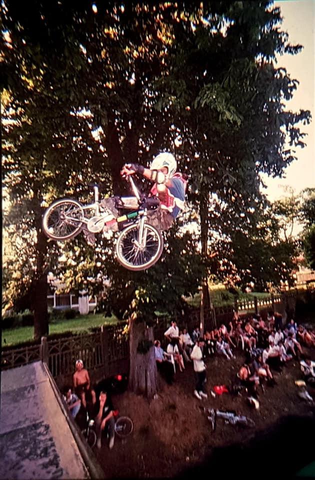 1995 à Villiers-sur-Orge // Photographe : Armen Djerrahian