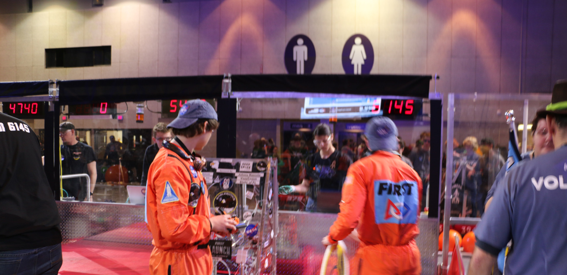 Robot on Hab(5).JPG