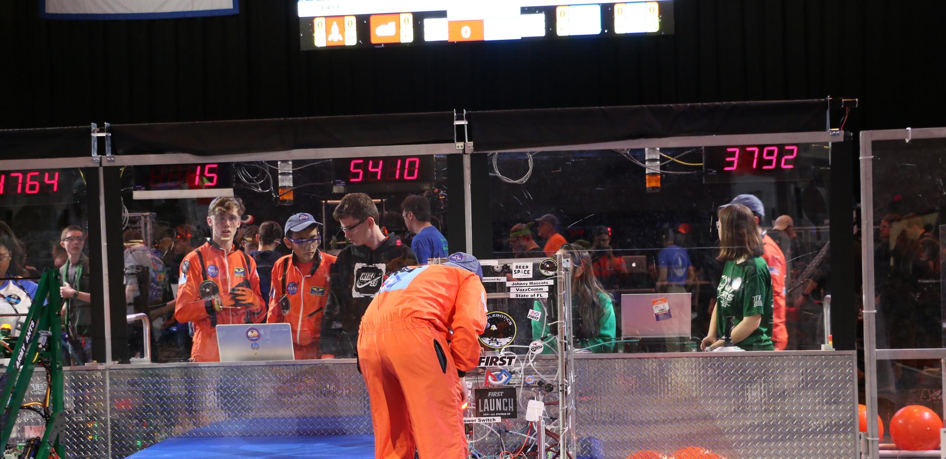 Robot on Hab(1).JPG