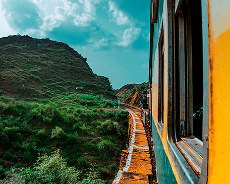 train-4324602__.jpg
