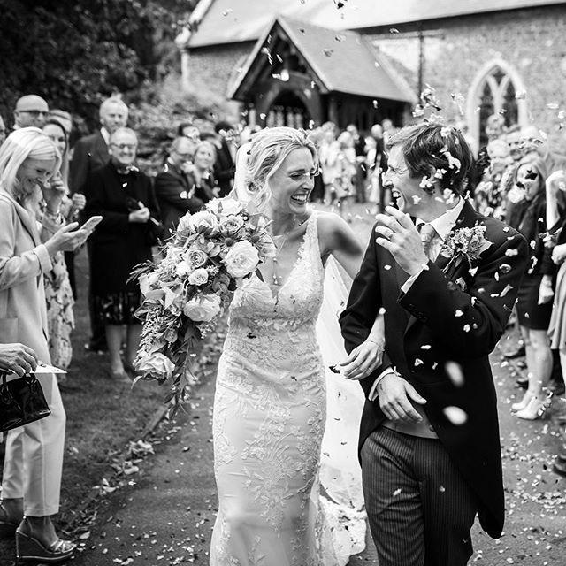 #veil #brideandgroom #confettishot #bridalhairandmakeup #bride #weddingdress #happycouple #hairandmakeupartist