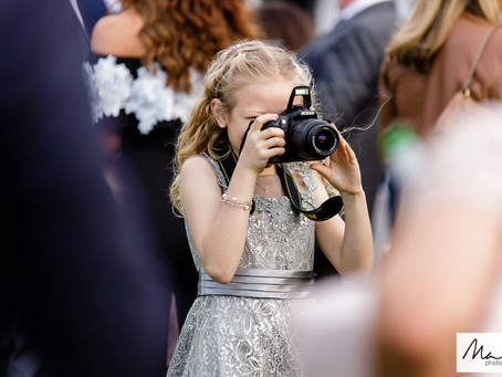 How to Choose the right wedding photographer for you.