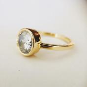 Bague solitaire en or 750/1000, diamant