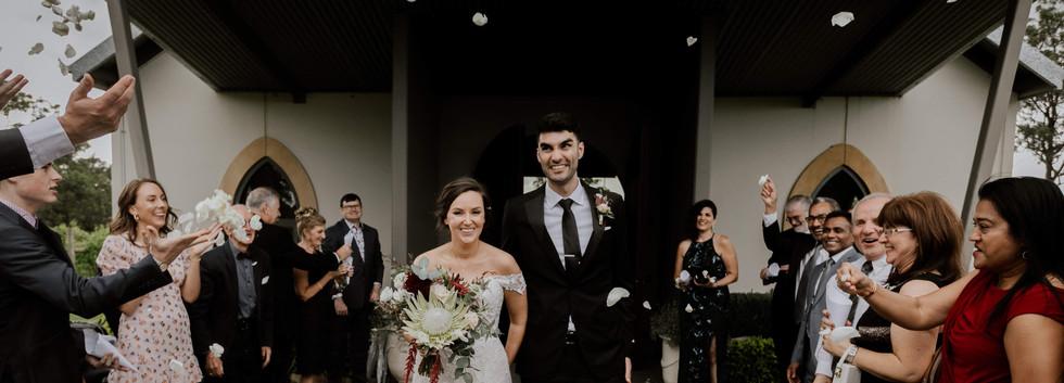 Wedding, Bride, Groom, Enzo Weddings, Hunter Valley Celebrant, Newcastle Celebrant, Petal Toss,