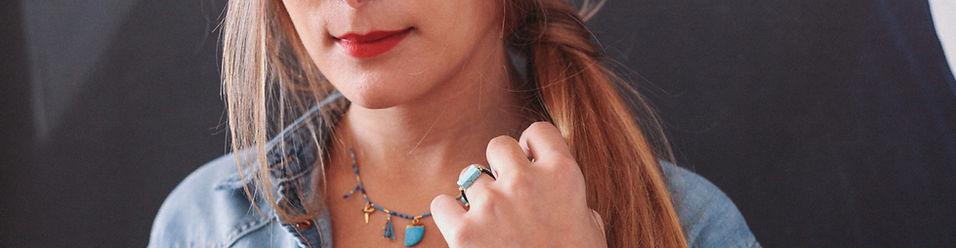 Bijoux mademoiselle atonett fabriqués à la main, en france. Colliers bagues, braceles boucles d'oreilles