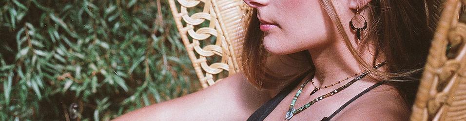 bijoux mademoielle antoinette collers bracelets bages, boucles d'oreilles fabriqués à a main, en France