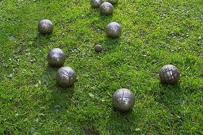 Boule_on_grass_edited.jpg