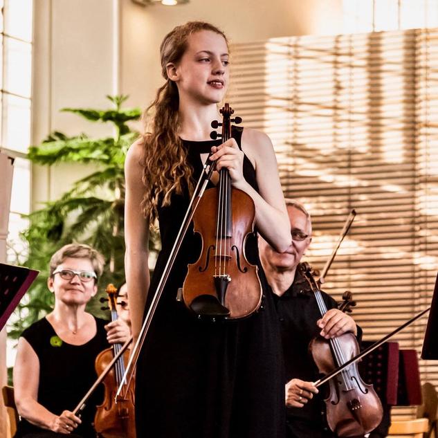 丹麦小提琴家 Alva Holm