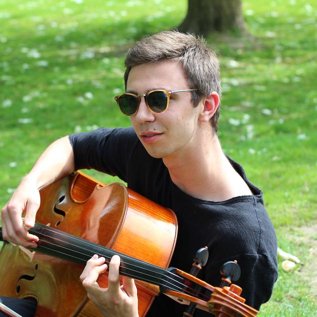 丹麦大提琴家 Oskar Friis-Hansen