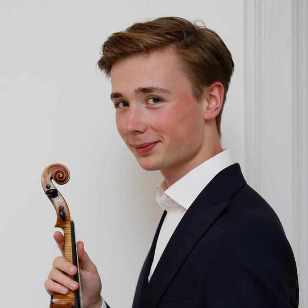 瑞典小提琴家 Gabriel Coxner