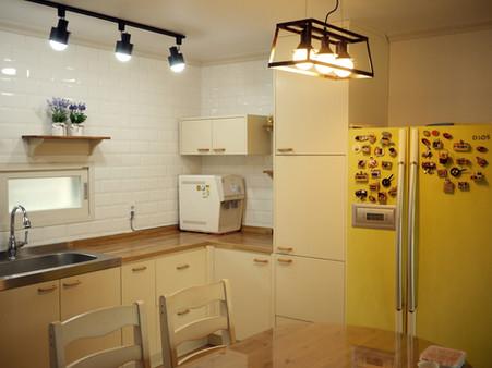 전원주택 귀엽고 검소한 주방 #원목싱크대
