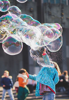 girl-playing-with-bubbles-1919030.jpg