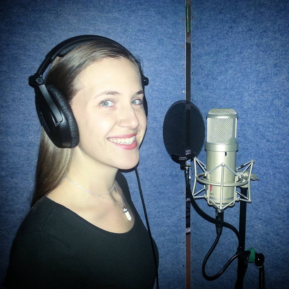 Viky de Witte - La voix des JINGLES pour MULTICOLORE RADIO - Novembre 2016 - STUDIO NOBILIS