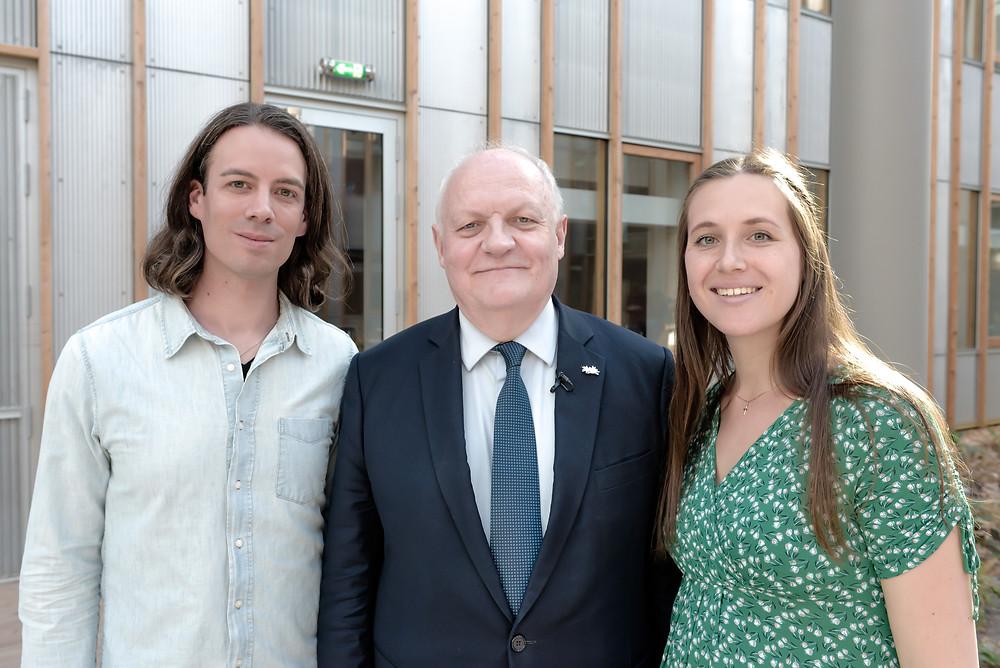 Dominique de Witte et Viky de Witte avec François Asselineau de l'UPR, le 21 mars 2019 à Sciences Po Bordeaux.