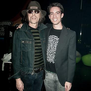 Dominique de Witte et Earl Slick (Guitariste pour David Bowie, John Lennon...) sur le plateau TV de MUSIQUE PLUS àMontréal, CANADA.