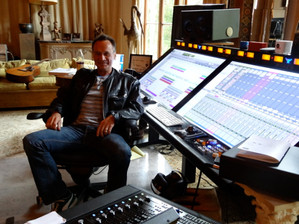 "Mon 2e ALBUM en mixage chez MARK NEEDHAM aux ""Ballroom Studios"", Hollywood."