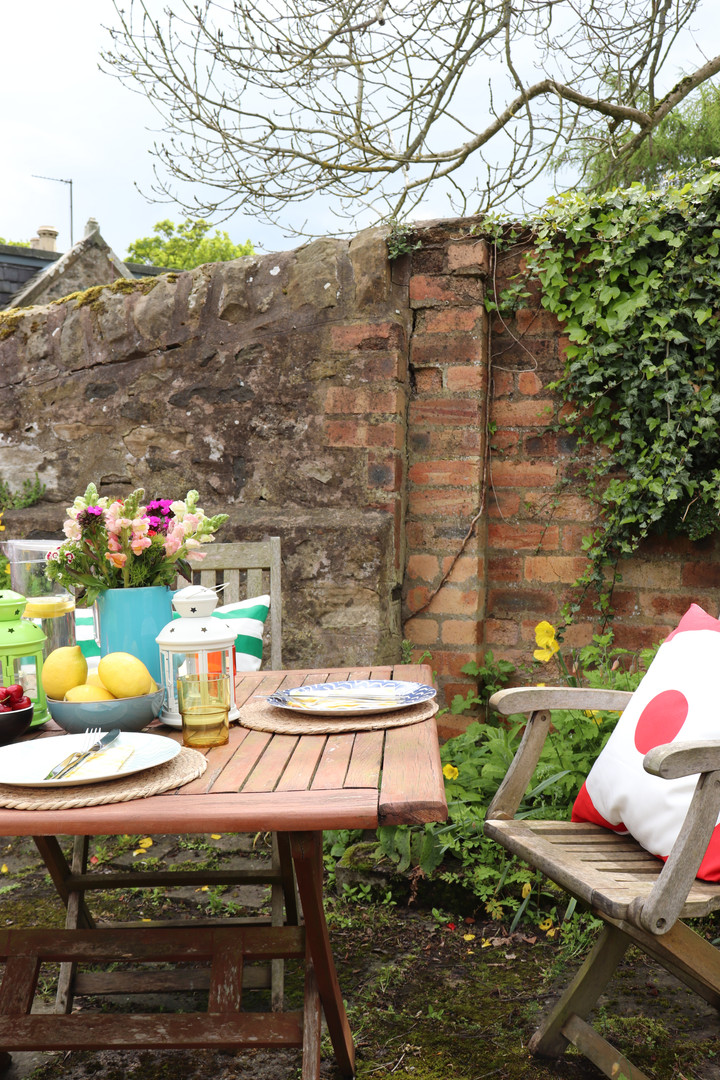 Holiday Cottage Garden Styling 2