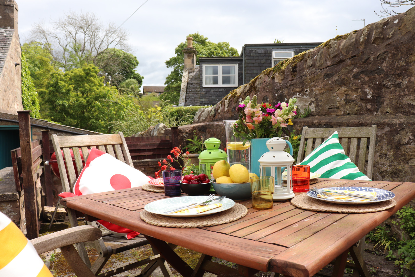 Holiday Cottage Garden Styling 1