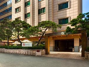 Sunbee Hotel Insadong Seoul.jpg