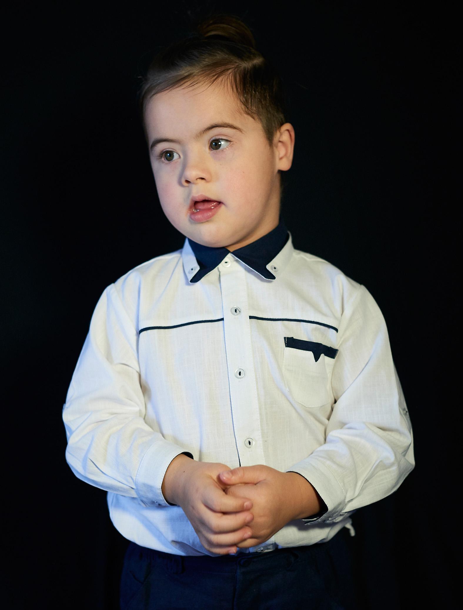 Romaan, Down Syndrome, Zebedee Managemen