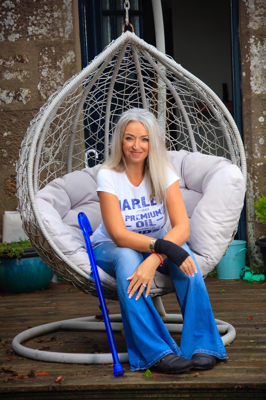 Paula, Zebedee Management, disabled, mod